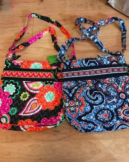 Vera Bradley Zip SO MANY NWT
